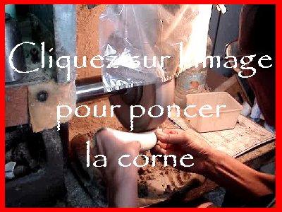 Le travail artistique de la corne - Jeurre (39). 0014a