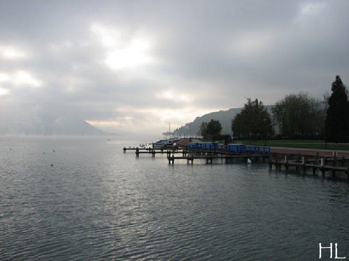 Le lac en partage - Un très inhabituel lac d'Annecy - 24-10-2011 Hl_annecy_003