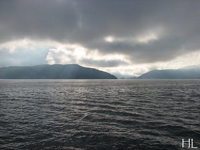 Le lac en partage - Un très inhabituel lac d'Annecy - 24-10-2011 Hl_annecy_009
