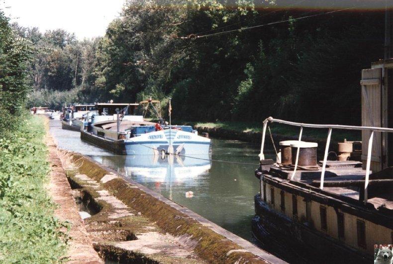 Touage sur le canal de St Quentin (02) 003