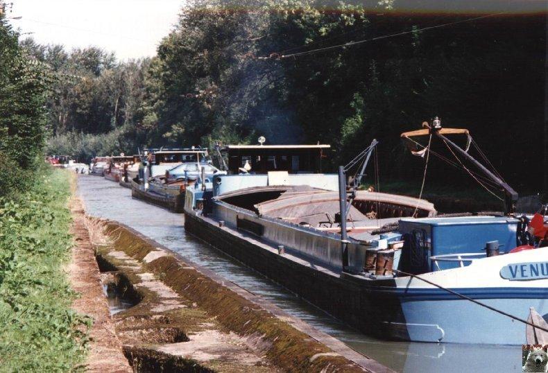 Touage sur le canal de St Quentin (02) 004