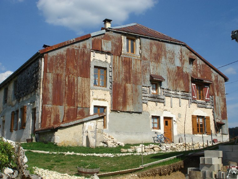 Les Tavaillons dans le Ht-Jura - Les Bouchoux - La Pesse (39 T0001