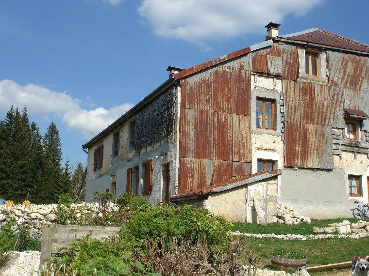 Les Tavaillons dans le Ht-Jura - Les Bouchoux - La Pesse (39 T0002
