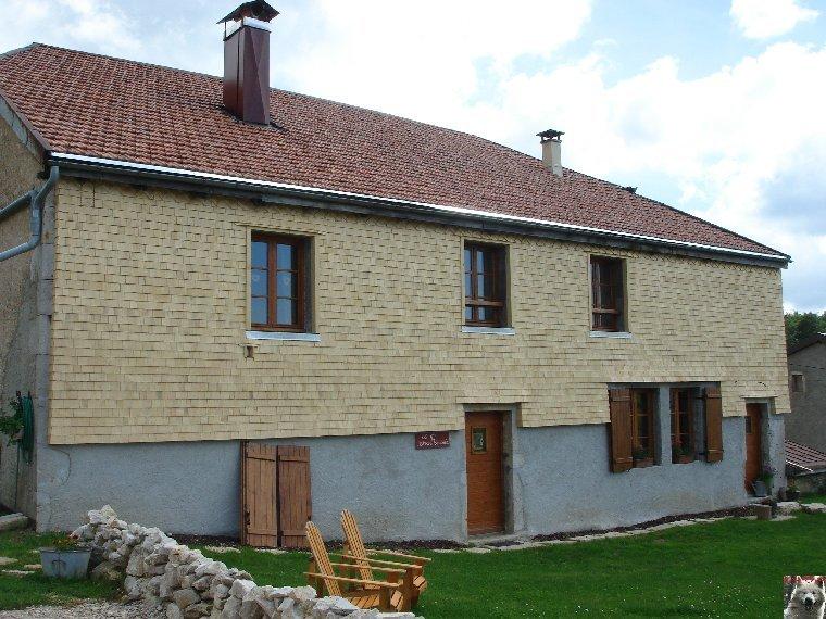 Les Tavaillons dans le Ht-Jura - Les Bouchoux - La Pesse (39 T0040