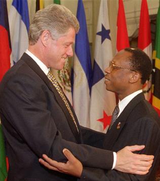 Repose en paix Mireille. Aristide-clinton-summit