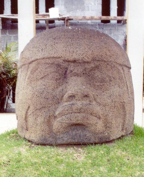 Les Olmèques. L'Enigme Olmèque Monument-q