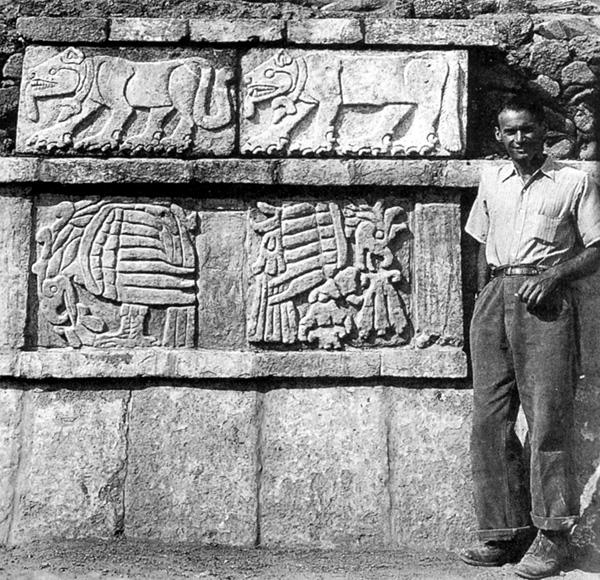Les Toltèques (Mexique) Acosta-pyramid-b