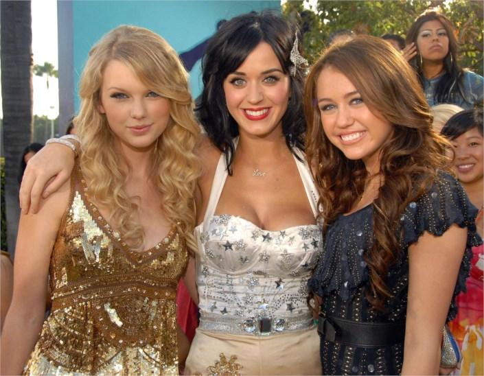 X Factor 9-Seconda puntata- Ex diretta - Pagina 4 Taylor-swift-katy-perry-and-mi-4277