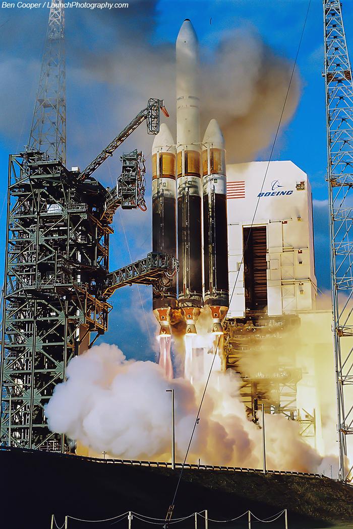 Delta IV Heavy / DSP 23 (11/11/2007) : perte du satellite - Page 4 Delta_4-Heavy_2