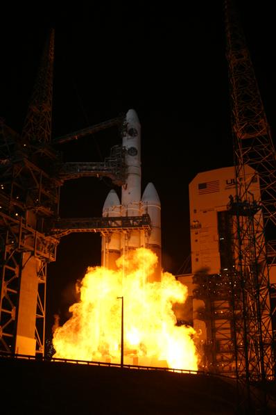Delta IV Heavy / DSP 23 (11/11/2007) : perte du satellite - Page 3 Delta_4-Heavy_DSP-23_3