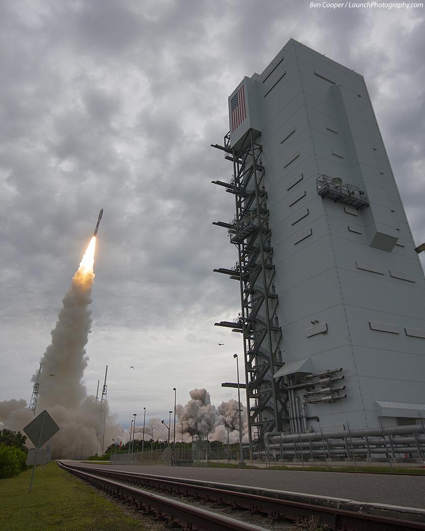 Atlas V 551 (MUOS-2) - 19.7.2013 MUOS-2_12