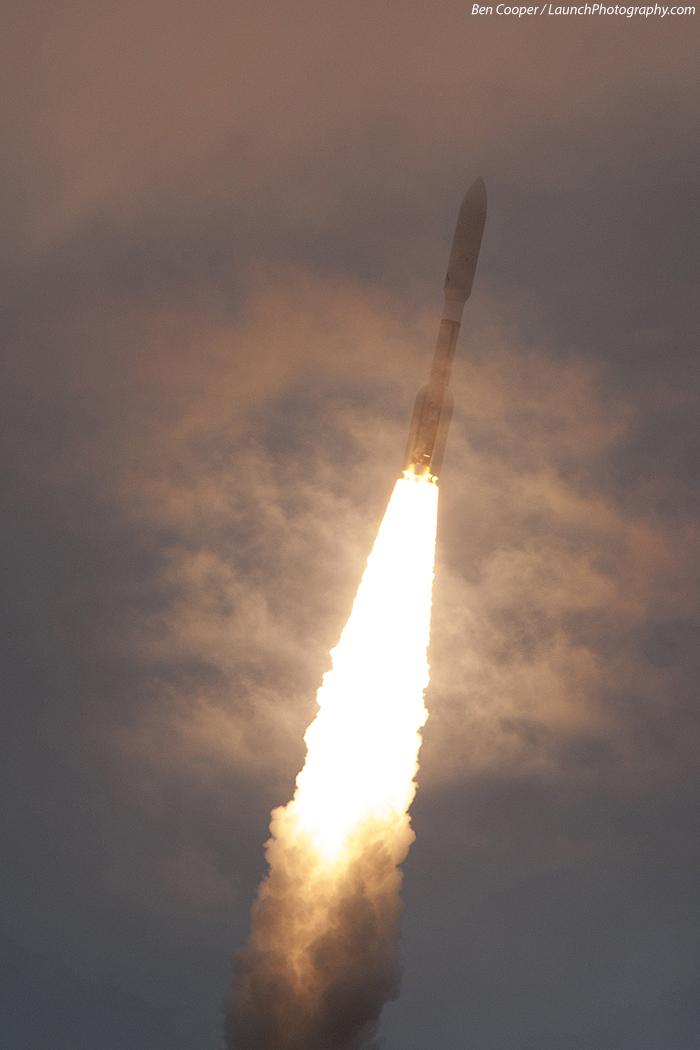 Atlas V 551 (MUOS-2) - 19.7.2013 MUOS-2_7