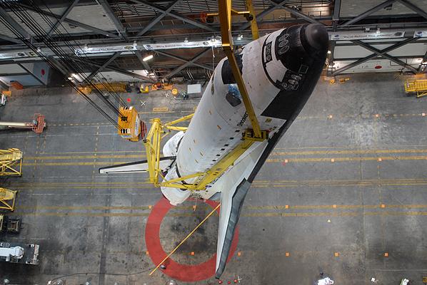 [STS-131] Discovery : préparatifs - Page 10 STS-131_lift_17
