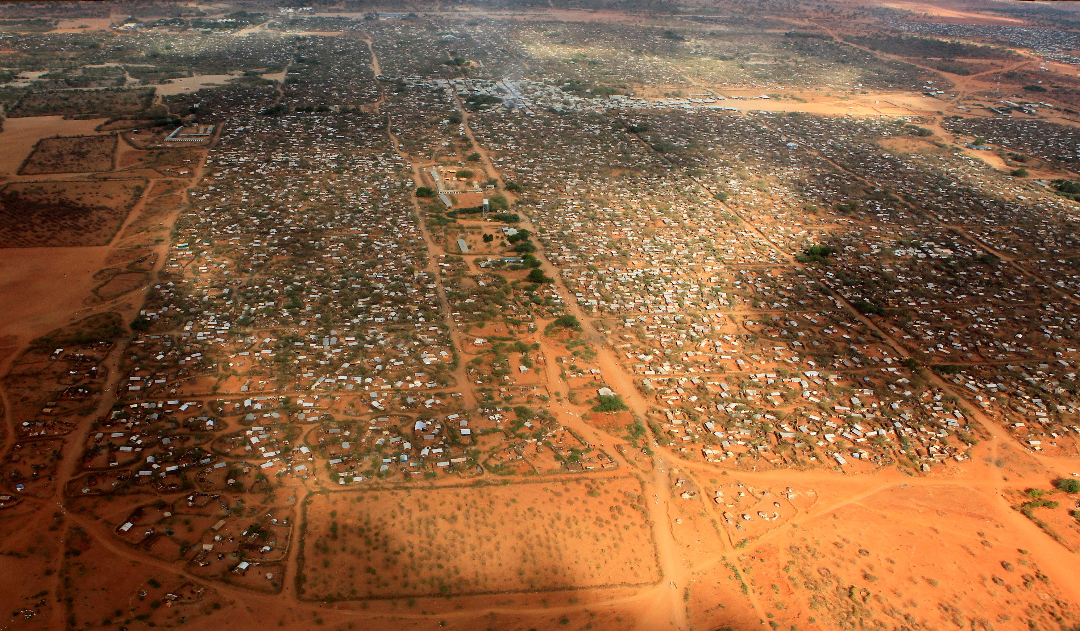 Kenia: Centenares de personas muertas en conflictos por agua, tierra y otros recursos. 2016-05-09T173457Z_01_AFR01_RTRIDSP_3_KENYA-REFUGEES_20160509193734-380