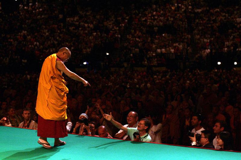 Sa Sainteté Le Dalaï Lama à Toulouse en août  2011 - Page 2 19062_dalai-lama-5
