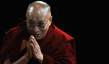 prière - USA : le dalaï lama a dirigé la prière d'ouverture du Sénat 50686_sipa-ap21533676-000003_440x260