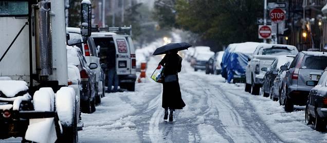 El noreste de EE UU bajo tormenta de nieve fuera de temporada MDF1030001606
