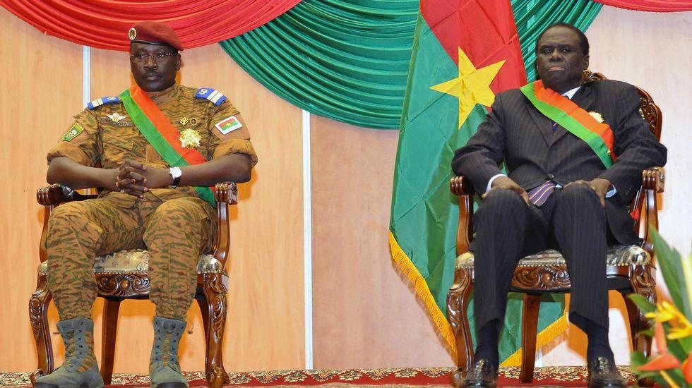 Burkina Faso: Queman el Parlamento y la oposición democrática protesta. Afp_20150916_174835922