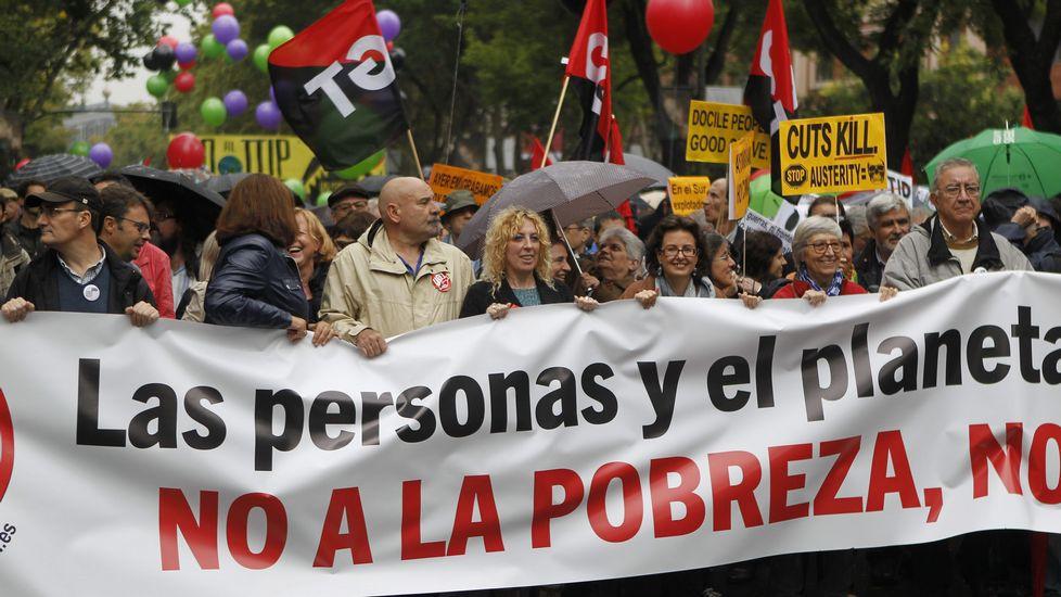 Asistencialismo social y estatal, voluntariado, reformismo politico - social. Efe_20151017_181510140