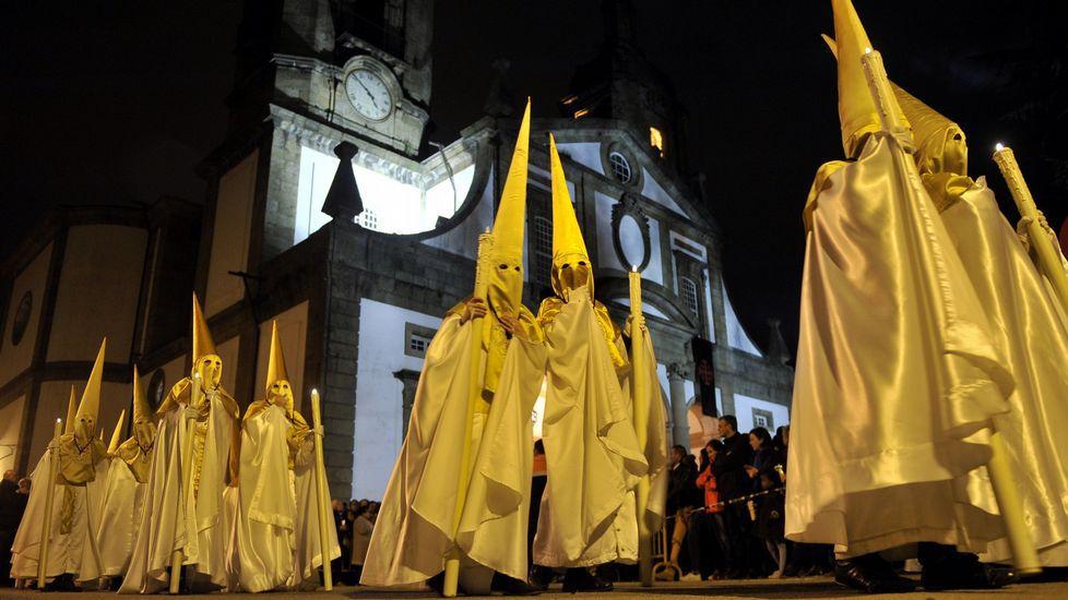 El gobierno local de Ferrol está dispuesto a aportar al menos 35.000 euros de fondos municipales para la próxima Semana Santa F04A5033