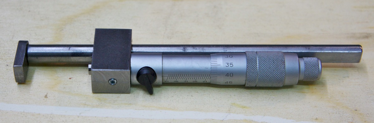 Outil pour mesurer l'épaisseur dans un trou… _dsc2520