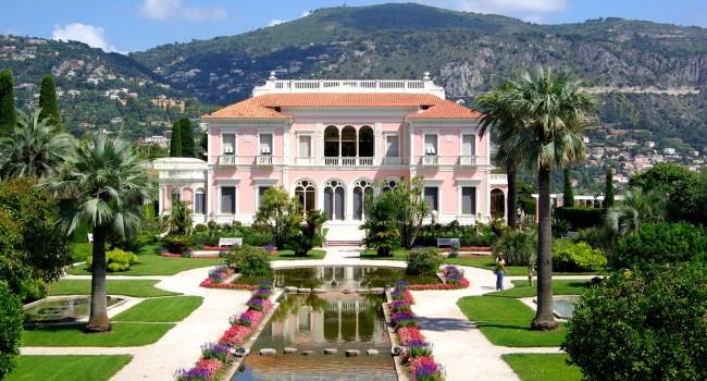 Château de Martine 15 Août trouvé par Ajonc Villa_Ephrussi_de_Rothschild_BW_2011-06-10_11-24-41-650x350