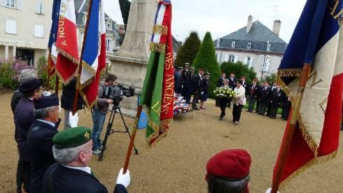 Les parachutistes de la Haute-Vienne ont célébré saint Michel à Saint-Yrieix 1293663