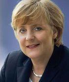 Angela Merkel, la fille d'Adolf Hitler! 64884987