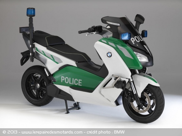 BMW administrations Scooters-motos-bmw-police-cevolution