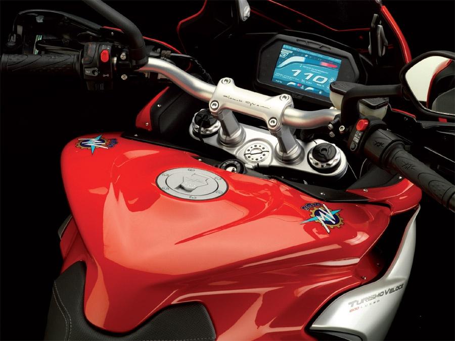 MV Agusta Turismo Veloce 800 Mv-agusta-turismo-veloce-compteur_hd