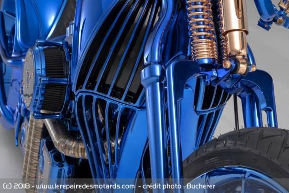 Une Harley à 1,5 million ! Prepa-harley-davidson-bucherer-15-millions-euros-couleur