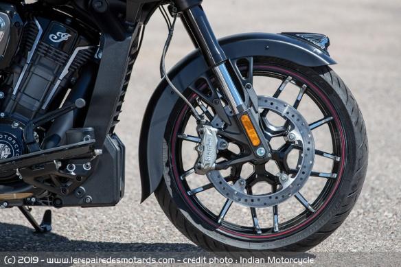 Nouveauté moto 2020 : Indian Challenger Moto-bagger-indian-challenger-dark-frein