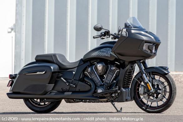 Nouveauté moto 2020 : Indian Challenger Moto-bagger-indian-challenger-dark-horse