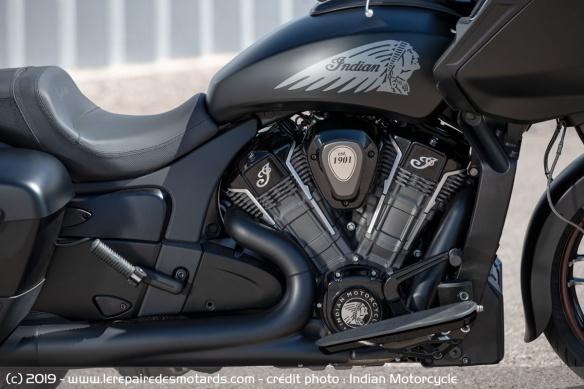 Nouveauté moto 2020 : Indian Challenger Moto-bagger-indian-challenger-dark-moteur