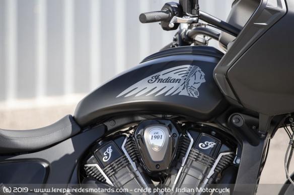 Nouveauté moto 2020 : Indian Challenger Moto-bagger-indian-challenger-dark-reservoir