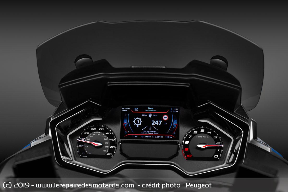 Metropolis RS Concept (Eicma 2019) Peugeot-metropolis-rs-concept-compteur_hd