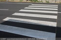 De nouveaux marquages pour les passages piétons Passage-pietons-zone-tampon-securite
