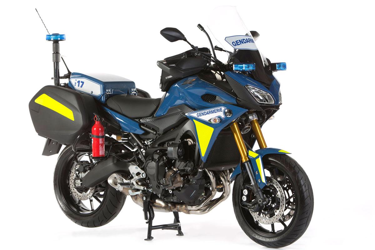 Enquête gendarmerie Rappel-motos-police-gendarmerie-yamaha-tracer-900_hd