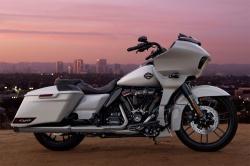 Harley-Davidson CVO Road Glide Harley-davidson-cvo-road-glide-statique