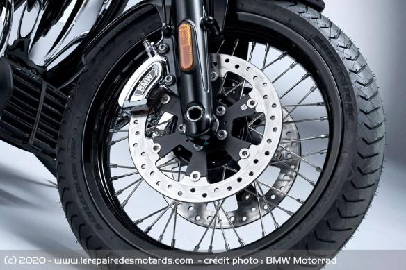 BMW dévoile la R 18 Jante-moto-cruiser-bmw-r-18