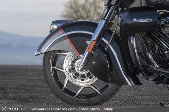 Edition limitée Indian Roadmaster Elite 2020 (1.901 cm3) Roue-avant-edition-limitee-indian-roadmaster-elite