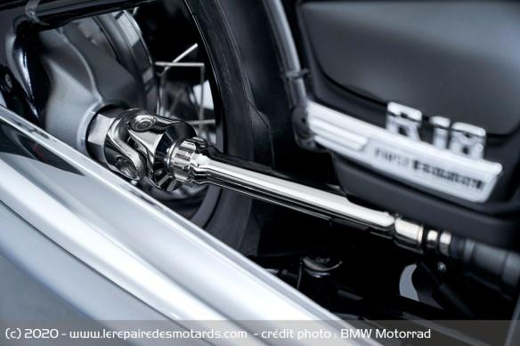 BMW dévoile la R 18 Transmission-moto-cruiser-bmw-r-18