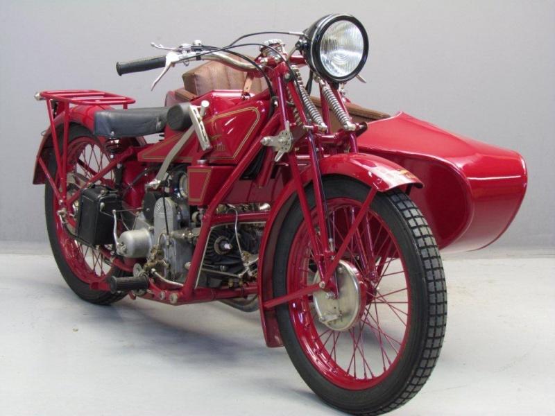 La moto Guzzi V9 Bobber Moto-guzzi-sport14_hd