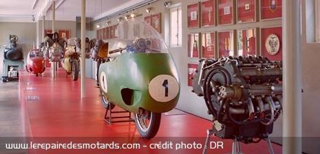 10 musées de la moto à visiter en Europe Musee-guzzi