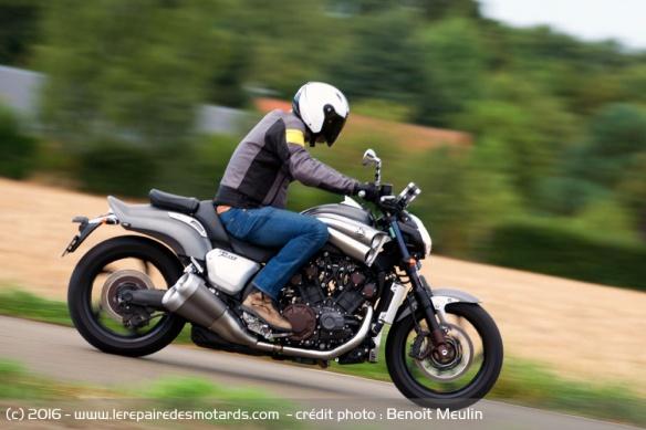 Top 10 des motos disparues avec Euro4 Top-10-motos-disparues-euro4-yamaha-vmax-1700