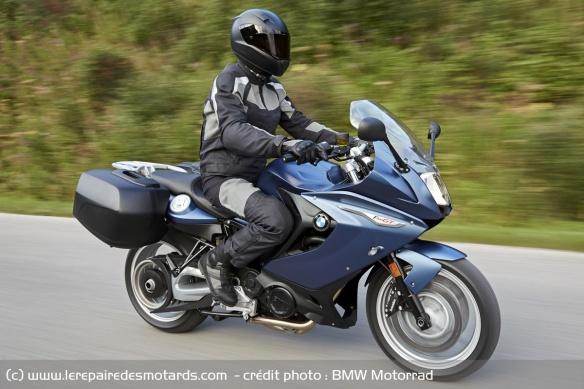 Top 10 des motos pour les petits gabarits Top-10-motos-petits-gabarits-bmw-f800gt