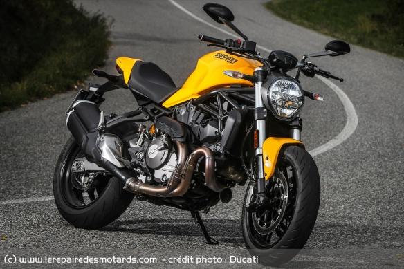Top 10 des motos pour les petits gabarits Top-10-motos-petits-gabarits-ducati-monster