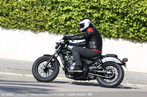 Top 10 des motos pour les petits gabarits Top-10-motos-petits-gabarits-honda-cmx500-rebel