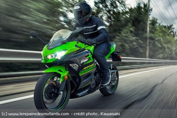 Top 10 des motos pour les petits gabarits Top-10-motos-petits-gabarits-kawasaki-ninja-400