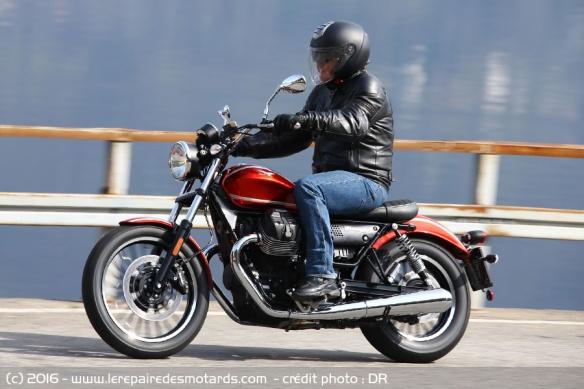 Top 10 des motos pour les petits gabarits Top-10-motos-petits-gabarits-moto-guzzi-v9-roamer